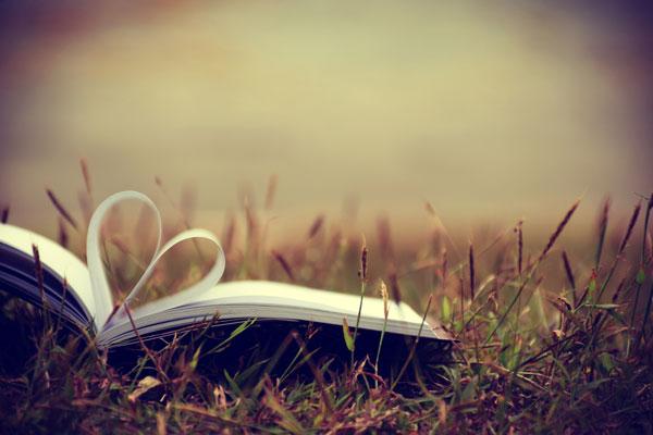 enamora-con-tu-libro